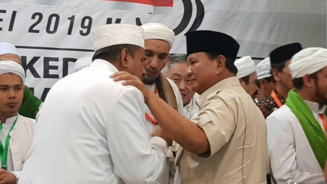Capres nomor urut 02 Prabowo Subianto hadiri Ijtima Ulama III