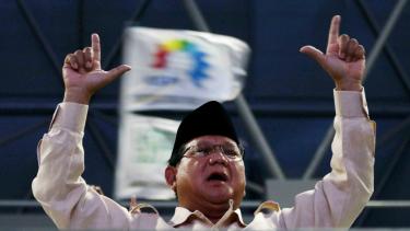Calon Presiden nomor urut 02 Prabowo Subianto saat menghadiri aksi peringatan Hari Buruh Internasional (May Day) di Tenis Indoor Senayan, Jakarta