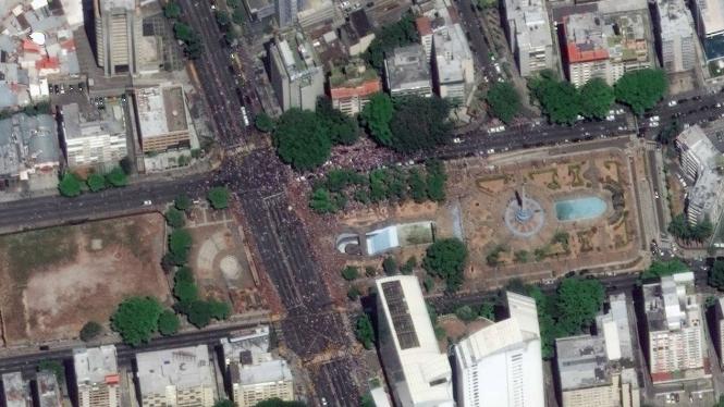 Bentrokan dua kubu di Venezuela dari citra satelit