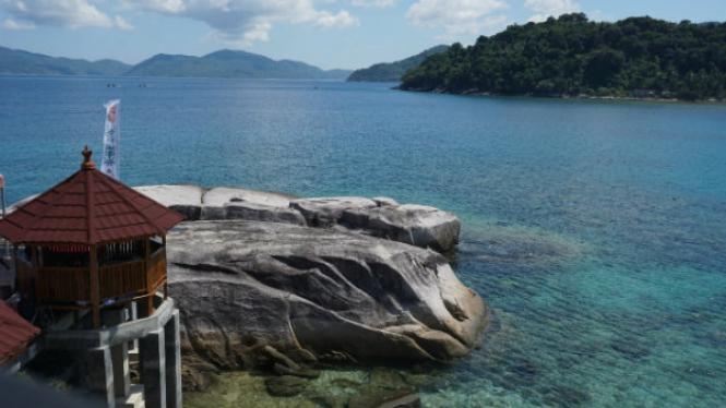 Wisata Batu Lepe