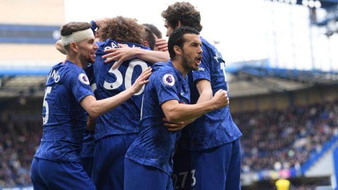 Pemain Chelsea merayakan gol ke gawang Watford