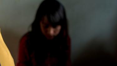 https://thumb.viva.co.id/media/frontend/thumbs3/2019/05/06/5ccf6ff260d37-kisah-perempuan-korban-perdagangan-manusia-di-nepal_375_211.jpg