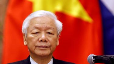 https://thumb.viva.co.id/media/frontend/thumbs3/2019/05/06/5ccfce893d708-di-mana-presiden-vietnam-yang-menghilang-sejak-tiga-pekan-lalu_375_211.jpg