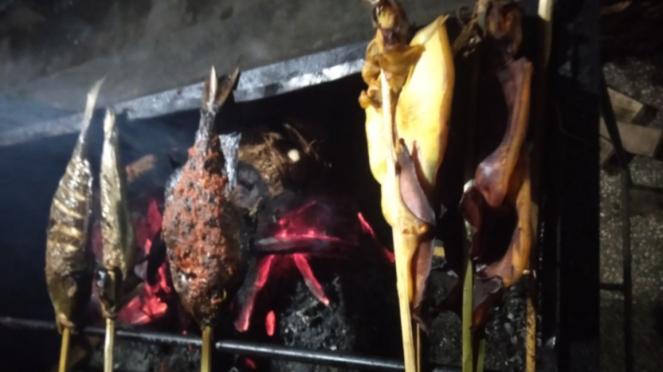 Ikan bakar di Pantai Loang Baloq di Kota Mataram, NTB
