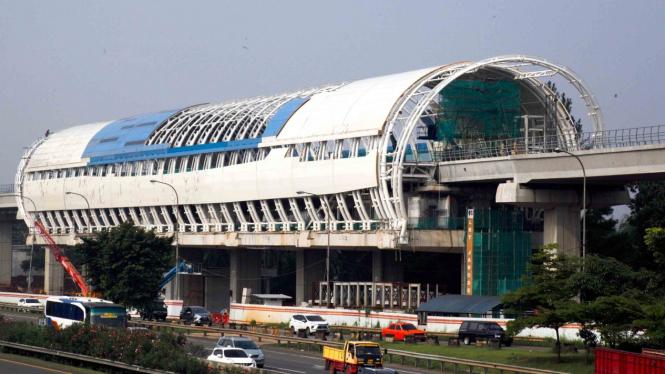 Kendaraan melintas di Tol Jagorawi, Cibubur, Jakarta Timur.