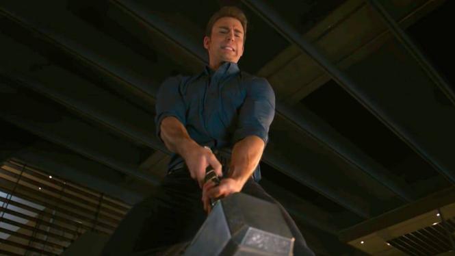 Kenapa Captain America Bisa Pegang Mjolnir