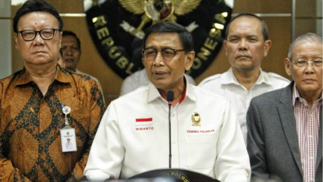Menko Polhukam Wiranto saat konferensi pers soal Tim Khusus