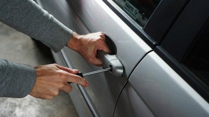 Ilustrasi pencurian mobil