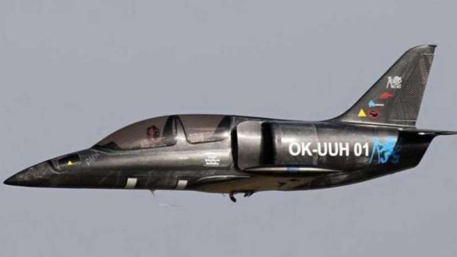 Pesawat terbang bermesin sepeda motor BMW