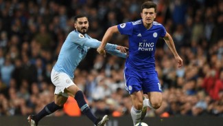 https://thumb.viva.co.id/media/frontend/thumbs3/2019/05/11/5cd6a6b8586ee-bek-leicester-city-harry-maguire-kanan_325_183.jpg