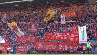 Suporter Liverpool di laga pamungkas Premier League 2018/2019