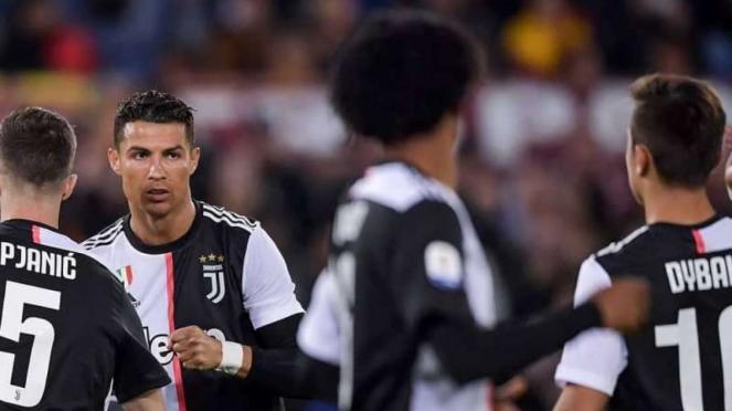 Bintang Juventus, Cristiano Ronaldo (kedua dari kiri)