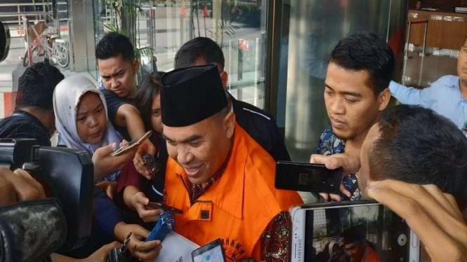 Bupati Jepara Ahmad Marzuqi ditahan KPK