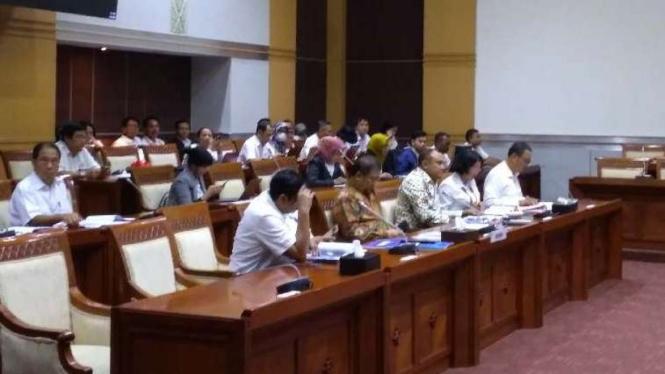 Rapat Kerja Komisi I DPR dan Kemenkominfo.