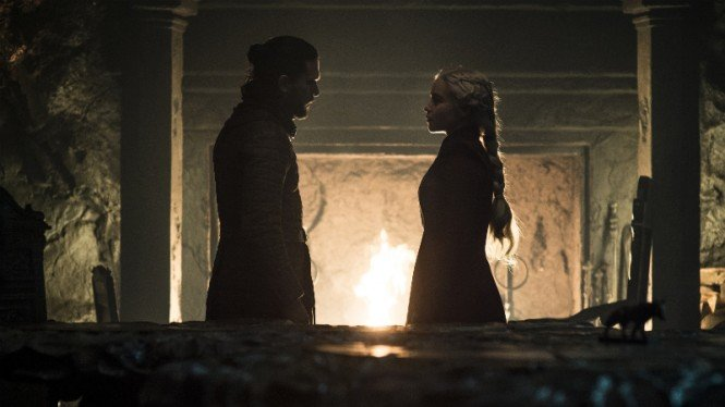 Jon Snow dan Daenerys Targaryen di Game of Thrones Season 8.