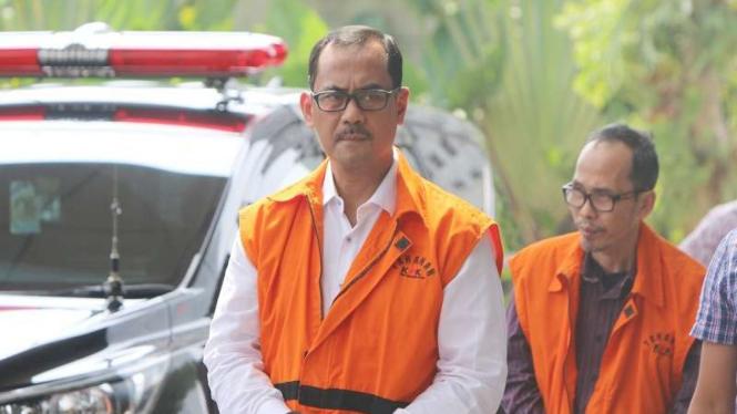 Tersangka Kepala Kanwil Kemenag Jawa Timur nonaktif Haris Hasanuddin di KPK