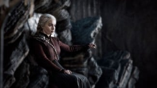Daenerys Targaryen (Emilia Clarke) dalam Game of Thrones Season 8.
