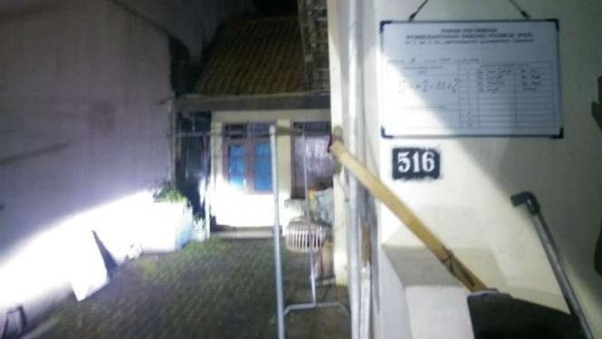 Rumah terduga teroris yang ditangkap Densus 88 di kampung Lempongsari, Semarang