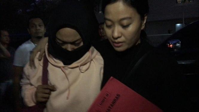 Polisi tangkap wanita penyebar video Penggal Kepala Jokowi