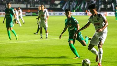 Duel PSS Sleman vs Arema FC.