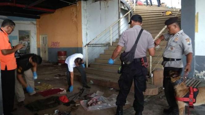 Olah TKP oleh Polres Malang Kota di lokasi korban mutilasi Pasar Besar