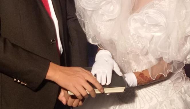 https://thumb.viva.co.id/media/frontend/thumbs3/2019/05/16/5cdca54120221-perempuan-perempuan-pakistan-dijadikan-budak-seks-di-china-dengan-kedok-pernikahan_663_382.jpg