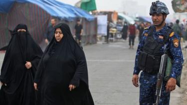 https://thumb.viva.co.id/media/frontend/thumbs3/2019/05/16/5cdcdc05ec59e-as-perintahkan-staf-kedutaan-tinggalkan-irak-di-tengah-ketegangan-dengan-iran_375_211.jpg