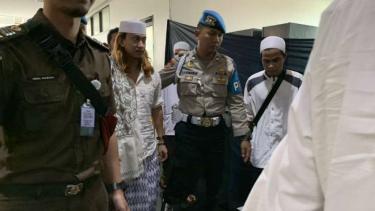 Terdakwa penganiaya anak di bawah umur, Bahar bin Smith alias Habib Bahar, menjalani sidang lagi di Pengadilan Negeri Bandung, Jawa Barat, Kamis, 16 Mei 2019.
