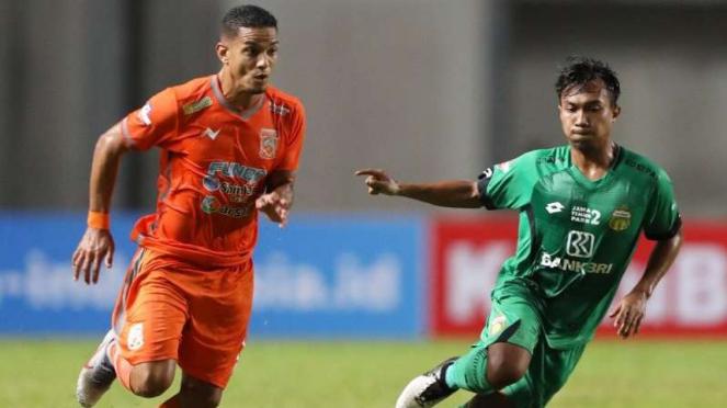 Duel Liga 1 antara Borneo FC vs Bhayangkara FC.