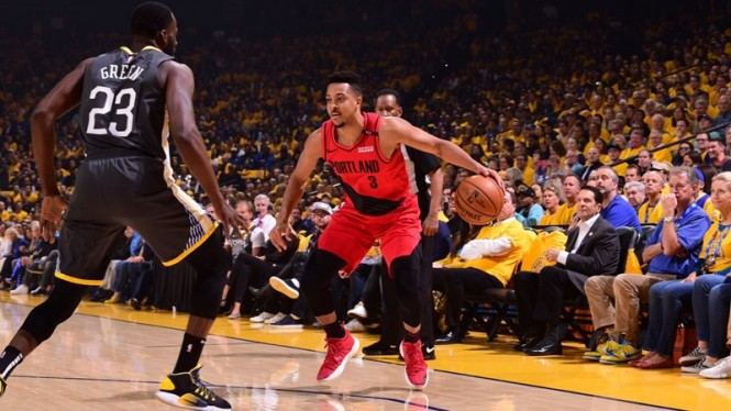 Pertandingan Golden State Warriors vs Portland Trail Blazers