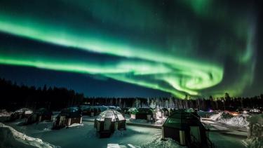 https://thumb.viva.co.id/media/frontend/thumbs3/2019/05/17/5cde64e7b3fc2-letusan-matahari-timbulkan-badai-geomagnetik-sehingga-aurora-borealis-tampak-lebih-jelas_375_211.jpg