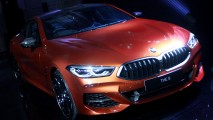 https://thumb.viva.co.id/media/frontend/thumbs3/2019/05/17/5cde8a675e5ef-all-new-bmw-seri-8-coupe-bmw-m850i-xdrive-coupe-m-carbon_213_120.jpg