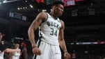 https://thumb.viva.co.id/media/frontend/thumbs3/2019/05/18/5cdf78b7b2ee8-pemain-milwaukee-bucks-giannis-antetokounmpo_151_85.jpg