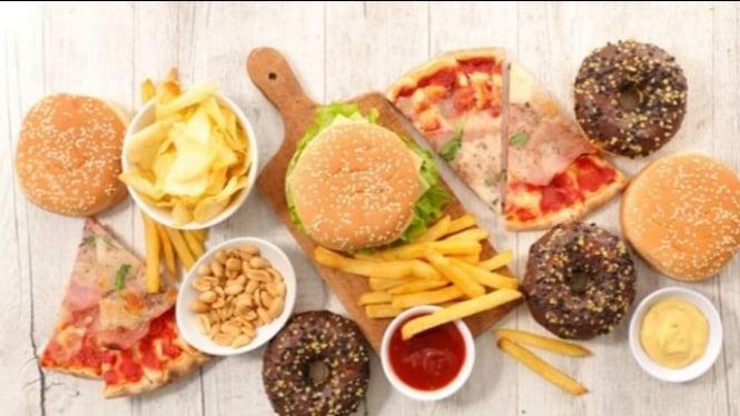 Ilustrasi pantangan makanan penderita kolesterol tinggi.