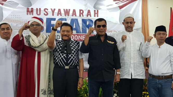 https://thumb.viva.co.id/media/frontend/thumbs3/2019/05/19/5ce15d9ac5251-muchdi-pr-bersama-hendropriyono_665_374.jpg