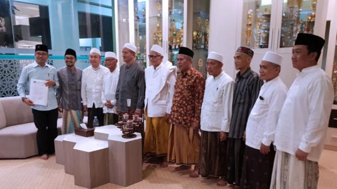 Para ulama PWNU Jatim berkumpul di Ponpes Bumi Shalawat Sidoarjo. (foto: istimewa)