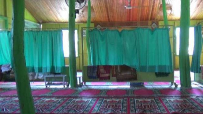 Surau Tarok yang diperkirakan berusia 1,5 abad di Kelurahan Kuranji, Kecamatan K