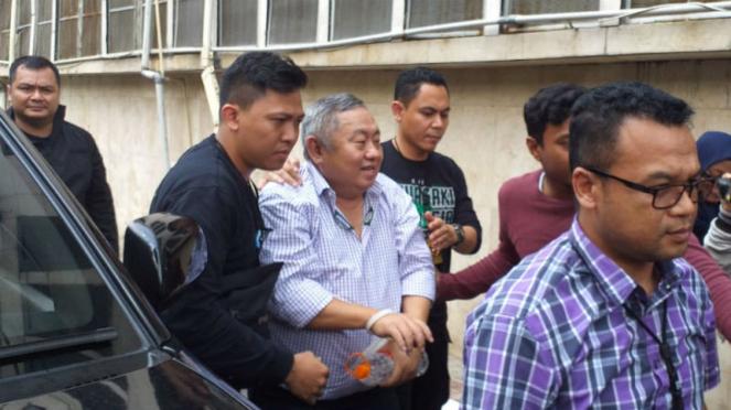 Aktivis Lieus Sungkharisma ditangkap polisi.