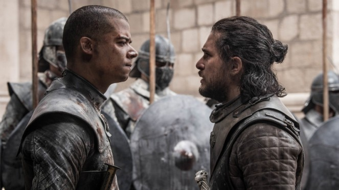 Jon Snow dan Grey Worm di Game of Thrones Season 8.