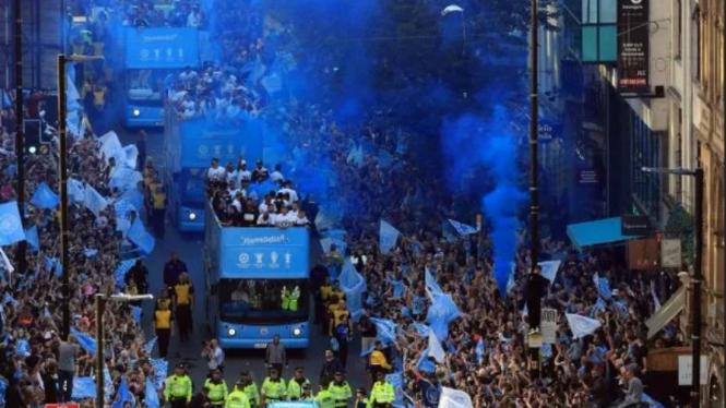 Parade juara treble winners Manchester City musim 2018/19