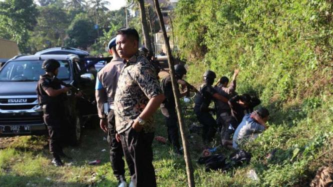 Lima terduga teroris diamankan di Malangbong, Garut, Selasa, 21 Mei 2019.
