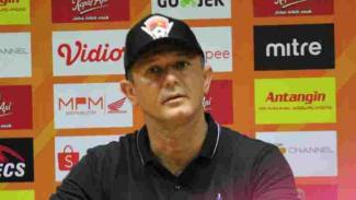 Pelatih Kalteng Putra, Gomes De Olivera.