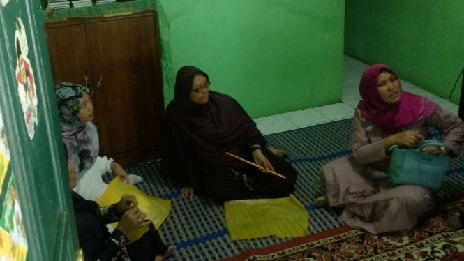 Suasana duka menyelimuti kediaman keluarga besar Farhan Safero, salah satu korban yang tewas akibat kerusuhan di Petamburan, Jakarta, Rabu, 22 Mei 2019.