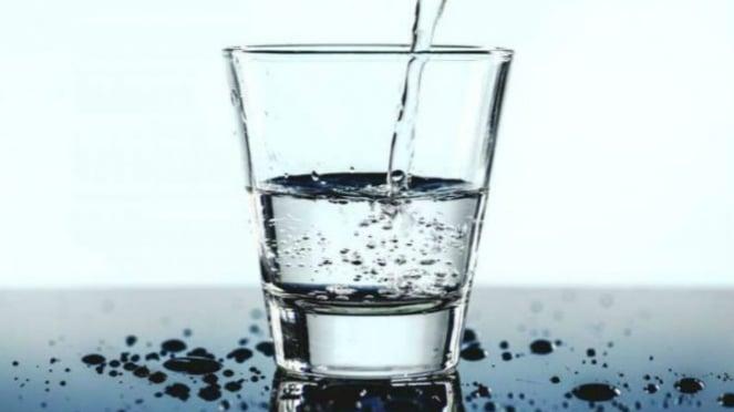 Ilustrasi air putih.