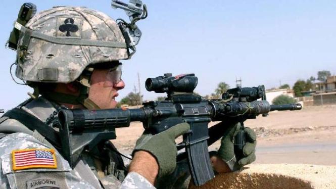 Senjata serbu M4 Carbine dipakai oleh militer AS.