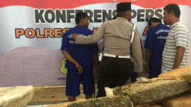 Penangkapan peredaran Ganja dari Aceh.