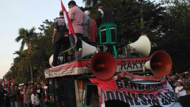 Aksi demonstrasi Gerakan Indonesia Damai