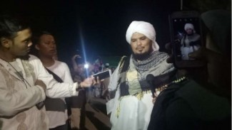 Ustaz Derry Sulaiman melayat ke pesantren Az-Zikra