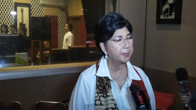 Aktris senior Titiek Puspa