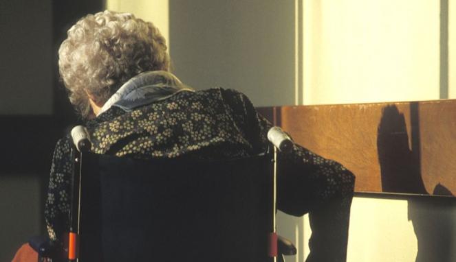 https://thumb.viva.co.id/media/frontend/thumbs3/2019/05/24/5ce7ade28fda0-nenek-berusia-102-tahun-jadi-tersangka-kasus-pembunuhan-di-panti-jompo-di-prancis_663_382.jpg